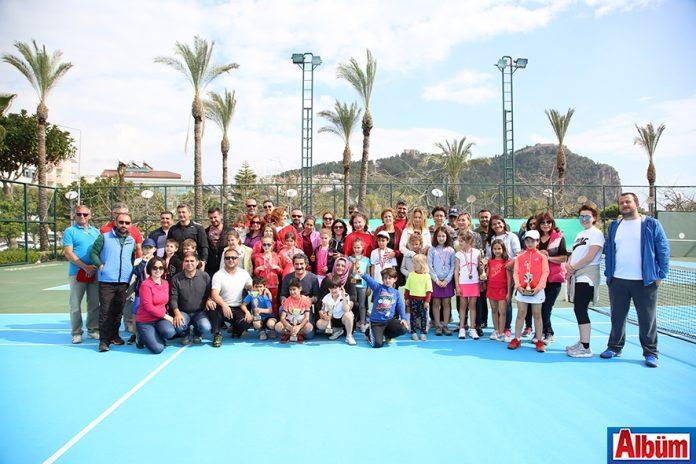 Tenis turnuvası sonuçlandı