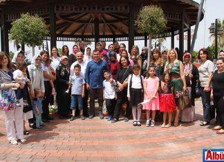Alanya Belediye Başkanı Adem Murat Yücel Zabıta eşleri ve belediyenin kadın personeli ile Anneler Günü'ne özel kahvaltı etkinliğinde buluştu