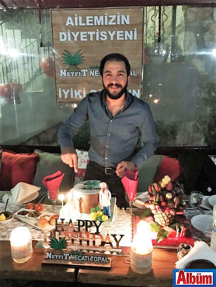 NETFIT sahibi Dyt. Necati Topal yeni yaşını dostları ile birlikte kutladı.