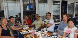 Löküs'te kahvaltı ettiler