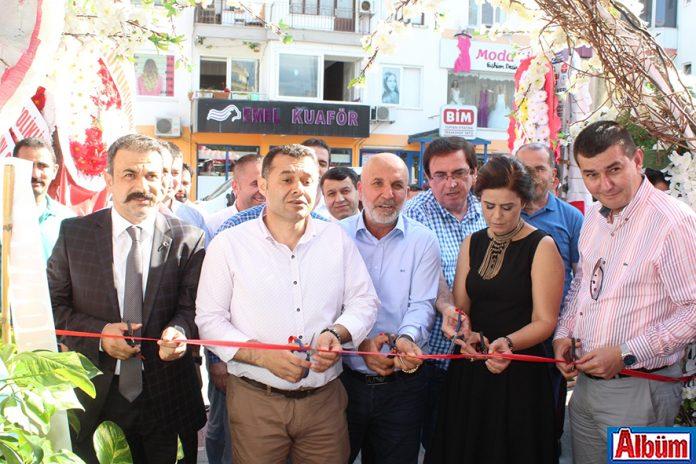 Manar'a kalabalık açılış