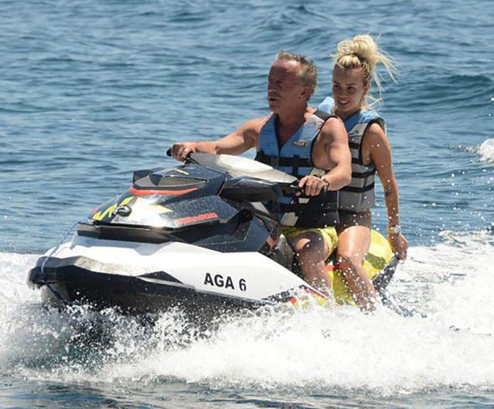 Ali Ağaoğlu sevgilisi ile Jet Ski keyfi yaptı