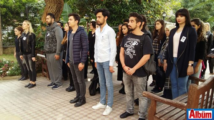 Alanya Hamdullah Emin Paşa Üniversitesi (AHEP) öğrencileri, Ulu Önder Mustafa Kemal Atatürk'ün ölümünün 79. Yıldönümü anısına üniversite binasında tören düzenledi.