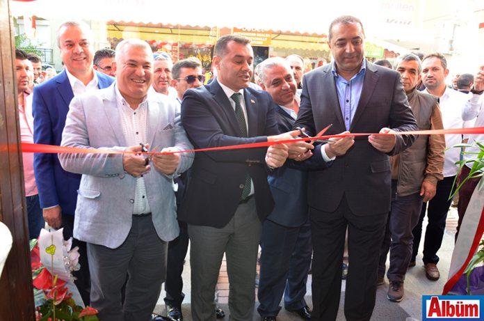 Alanya'nın tanınmış iş adamı Ahmet Bozdemir'in sahibi olduğu Cafe Turka'nın açılışı düzenlenen kalabalık bir törenle gerçekleştirildi.
