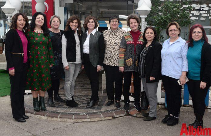 Çağdaş Yaşamı Destekleme Derneği Alanya Şube Başkanı Nilgün Özcan ve Yönetim Kurulu Üyeleri hep birlikte poz verdi.