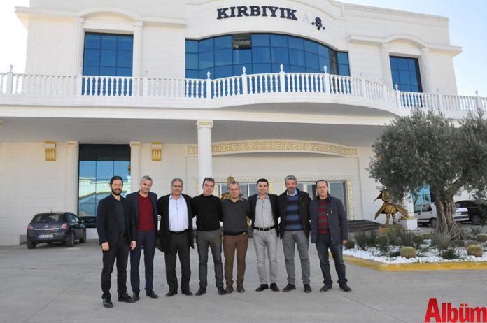 Alanya Yiyecek ve İçecek Yöneticileri Derneği (AYİYDER), derneğe olan katkılarından dolayı teşekkür etmek için Kırbıyık AŞ. Yönetim Kurulu Başkanı Şahin Kırbıyık'ı ziyaret etti.