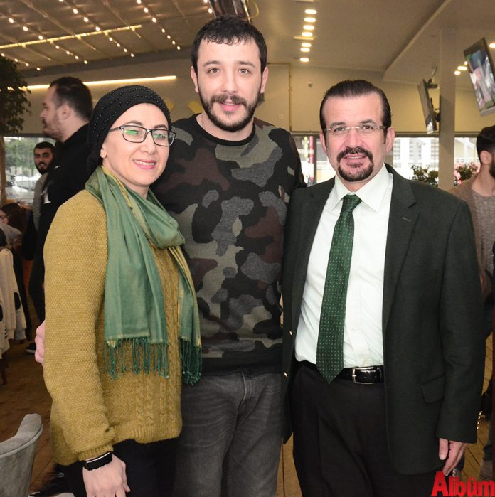 Ahmet Parlak kahvesini Mixx'te içti