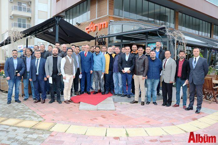 """Acenta temsilcileriyle buluşan Gazipaşa Alanya Havalimanı (GZP) Müdürü Cengiz Aşıklı, """"2018'de 1 milyon 200 bin yolcu sayısına ulaşacağız"""" dedi."""