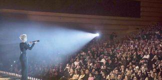 """Pop müziğinin sevilen sanatçılarından Sıla, kariyerinin 10. yılına özel gerçekleşen """"ON'dan Kalan"""" konser serisine devam ediyor. 14 Şubat'ta yoğun ilgiyle karşılaşan Sıla hayranlarının isteği üzerine yeniden Congresium Ankara'da konser verdi."""