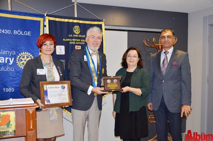 'Alanya Rotary Kulübü Meslek Başarı Ödülü' meslek ahlakı çerçevesinde yapmış olduğu başarılı çalışmalardan dolayı Alanya Arkeoloji Müzesi Müdürü Seher Türkmen'e verildi.