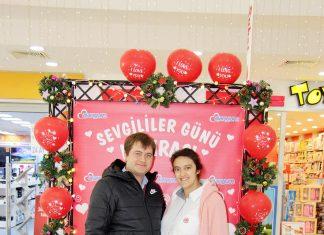 Alanyum Alışveriş Merkezi (AVM) '14 Şubat Sevgililer Günü'nde sevgilileri ve evli çiftleri unutmadı.