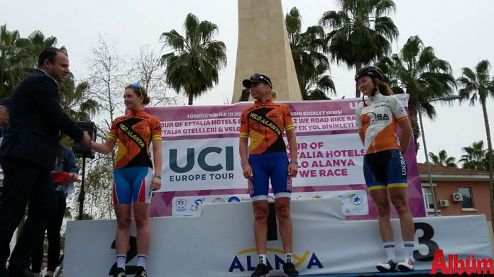 Alanya'nın ev sahipliği yaptığı 'Tour Of Eftalia Hotels & Velo Alanya Kadın Yol Bisiklet Yarışı'nın bugünkü etabını Alanya adına yarışan Velo Alanya Bisiklet Takımı'ndan Olga Zabelinskaya kazandı.