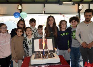 Nane Limon Kafe'nin sahibi Yüksek Mimar Mustafa Temiz ile Hülya Yücesan'ın kızları Elif Naz Temiz, düzenlenen muhteşem bir parti ile 13. yaşına girdi.