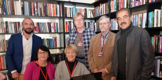Macide Kebap İşletme sahibi Oktay Gündoğdu, Alanya Finliler ALSU Derneği Başkanı Erik Müller ve Yönetim Kurulu üyeleri Albüm için poz verdi.