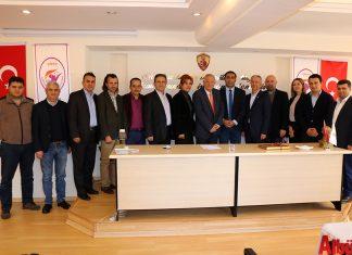 Alanya Turizm Tanıtma Vakfı Yönetim Kurulu üyeleri, oda seçimlerinde güven tazeleyen esnaf odaları başkanlarını ziyaret ettiler.