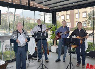 Alanya'da yaşayan Norveçli vatandaşların kurduğu Suncafe müzik grubu geçtiğimiz hafta sonu da muhteşem bir konsere imza attı.