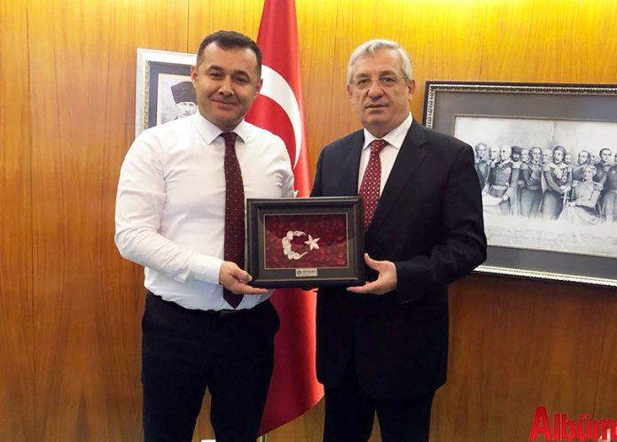 Premiere Vision Tekstil ve Moda Fuarı için Fransa'ya giden Alanya Belediye Başkanı Adem Murat Yücel, Türkiye'nin Paris Büyükelçisi İsmail Hakkı Musa'yı makamında ziyaret etti.