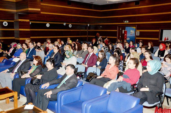 Alanya Sosyal Hizmet Merkezi Müdürlüğü ile Alanya Alaaddin Keykubat Üniversitesi (ALKÜ) işbirliğinde '8 Mart Dünya Kadınlar Günü'ne özel 'Kadın ve Medya' konulu söyleşi gerçekleştirildi.