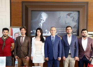 Alanya Akdağ Kayak İhtisas Spor Kulübü üyeleri başta kaymakamlık ve belediye olmak üzere çeşitli kurumlara ziyaretlerde bulunarak düzenleyecekleri etkinlik için destek istedi.
