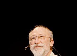 Alanya Belediye Tiyatrosu'nun düzenlediği 'Ustalarla Söyleşi' programının ikinci konuğu tiyatro, sinema ve televizyon oyuncusu Altan Erkekli oldu.