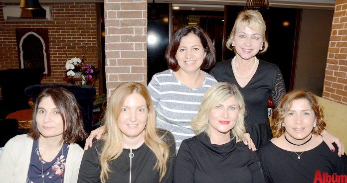 Başkent Üniversitesi Alanya Araştırma ve Uygulama Hastanesi doktorlarından Aliye Aydoğan için çalışma arkadaşları tarafından bir veda yemeği düzenlendi.