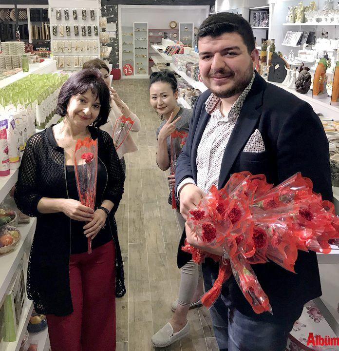 Konaklı Mahallesi Ak Parti Gençlik Kolları Mahalle Başkanı Oğuzhan Çetin, '8 Mart Dünya Kadınlar Günü'nde kadınları unutmadı.