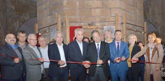 Alanya Kent Konseyi, Alanya Belediyesi ve Sille Sanat Sarayı işbirliğiyle 18 Mart Çanakkale Zaferi'nin103. yıl dönümü anısına anlamlı bir sergiye imza attı.