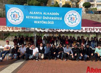 Alanya Alaaddin Keykubat Üniversitesi (ALKÜ) Öğrencileri düzenledikleri sosyal sorumluluk projeleri ile takdir toplamaya devam ediyor.