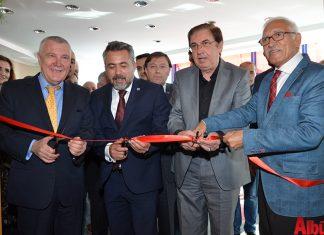 Alanya Serbest Muhasebeci Mali Müşavirler Odası (ALSMO) Derneği'nin konferans salonu düzenlenen kalabalık bir etkinlikle açıldı.