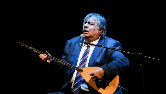 Türk Halk Müziğinin efsane isimlerinden Arif Sağ bu sabah açık beyin ameliyatına alındı.