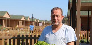 Antalya Büyükşehir Belediyesi tarafından hizmete açılan emeklilere özel hobi bahçeleri, özellikle hafta sonlarında yoğun ilgi görüyor- Hüseyin Yurteri