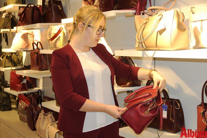 Outlet markada Alanya'nın en büyük alışveriş mağazası olan Markamix, geleneksel olarak her yıl düzenlediği indirim kampanyalarına devam ediyor.