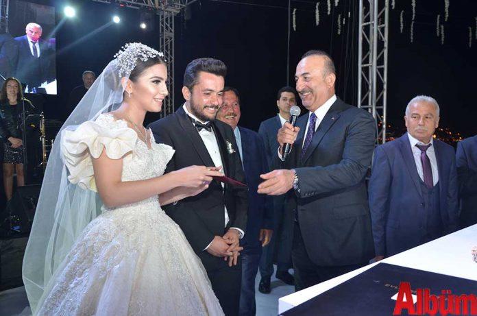 Dilara Sezen, Yılmaz İçmen, Dışişleri Bakanı Mevlüt Çavuşoğlu
