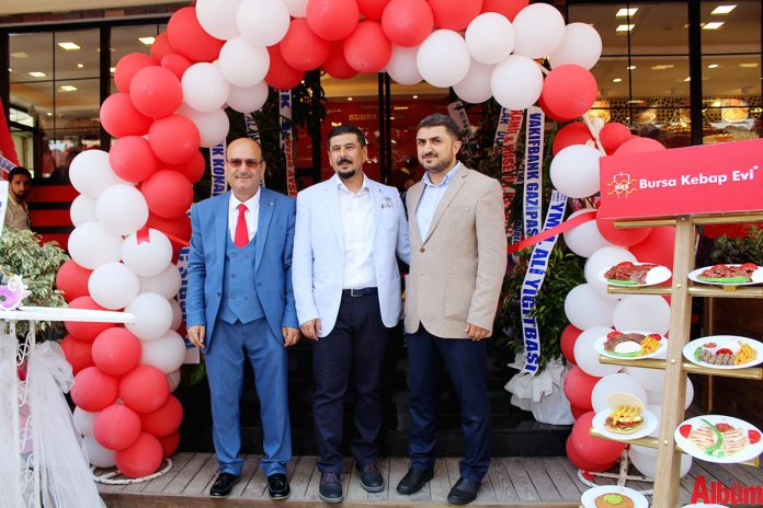 Bursa Kebap Evi'nin 90. şubesi, Alanya'da hizmete girdi.