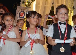Bil Koleji ana sınıfı öğrencileri için mezuniyet töreni gerçekleştirildi.