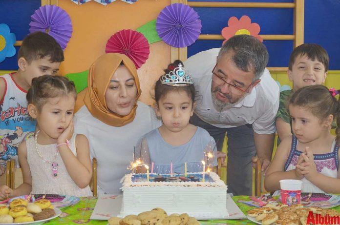Emmy Ayakkabı Sahibi Nesrin Kiriş Kesici ve eşi İbrahim Kesici'nin dünyalar güzeli kızları Elif Nisa Kesici 6. yaşını Ekim Yuva'da düzenlenen renkli bir doğum günüyle kutladı.