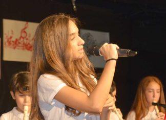 Hayate Hanım Orta Okulu yıl sonu korusu seslendirdiği çeşitli şarkılarla keyif dolu dakikalar yaşattı.