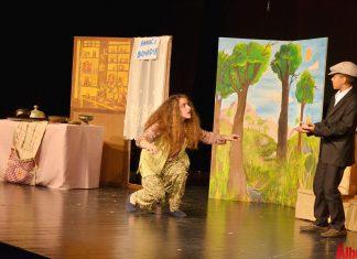 Şükrü Mülazımoğlu Orta Okulu Tiyatro Topluluğu tarafından hazırlanan 'Güldür Güldür Şhow' isimli tiyatro oyunu izleyenlere kahkaha dolu dakikalar yaşattı.