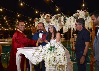 Didem ve Mustafa'nın nikahları kıyıldı