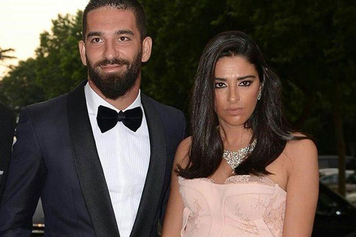 Arda Tura'nın hamile eşi bikinili görüntülendi