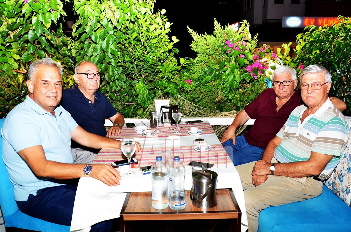 Ahmet Cengiz, eski kültür bakanıTimuçin Savaş, Zonguldak milletvekili Adnan Akın, Kocaeli milletvekili İbrahim Artvinli,