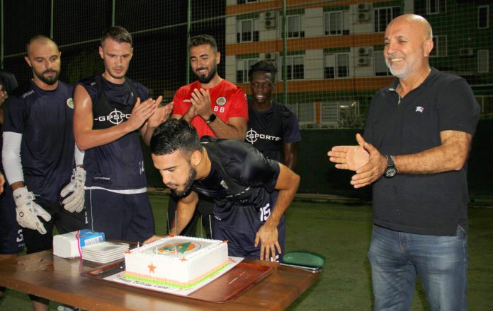 Antrenman sonrası Villafanez'e sürpriz kutlama