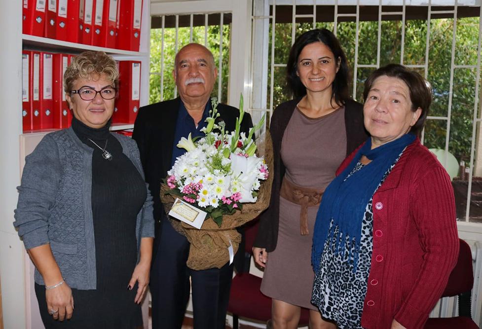 Alanya Turistik İşletmeciler Derneği çalışanları Alanya turizminin duayenlerinden Hızır Bozdoğan'ın doğum gününü kutladı.