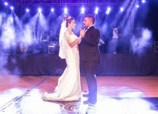 İki düğünle hayatlarını birleştirdiler
