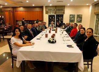 Alanya Akdağ Kayak İhtisas ve Spor Kulübü istişare toplantısını, Kulüp üyesi Burhan Sili'nin nazik ev sahipliğinde Konaklı'daki Titan Select Otel'de gerçekleştirdi.