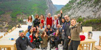 Aura Fitness üyeleri, Dim Çayı'nın doğduğu Alacami Köyü'nde bulunan Ala Çiftlik'i ziyaret ettiler