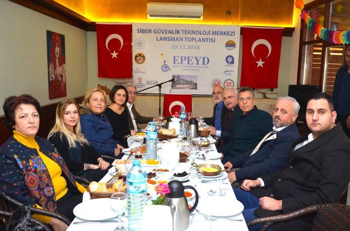 Grand Cru Saklı Bahçe, EPEYD'in Türkiye'de bir ilke imza atarak hayata geçirilecek olan projesi 'Siber Güvenlik Teknolojileri Merkezi' lansman toplantısına ev sahipliği yaptı.