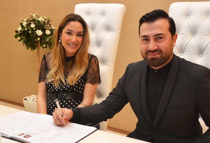 Adana Sheraton Hotel'de gerçekleştirilen düğün törenlerinin ardından Derman Üstün ve Mesna Yüzalan Alanya Nikah Dairesi'nde mutluluğa imza attı.
