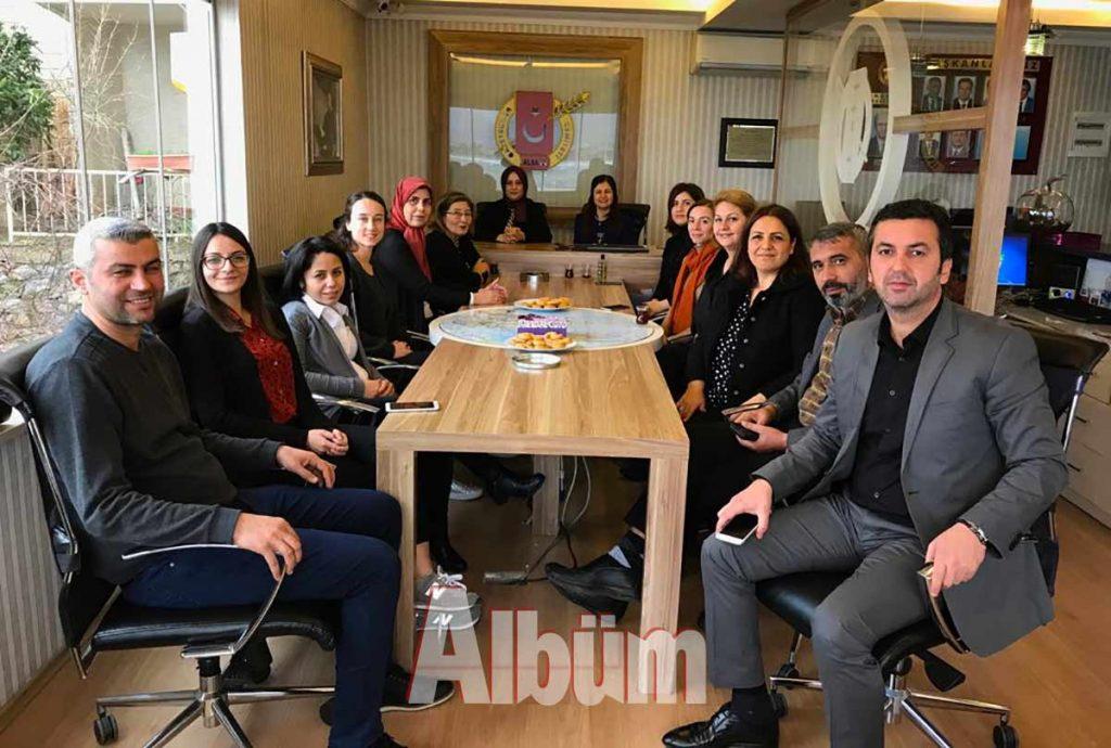 Alanya Aile ve Sosyal Gelişim Derneği (ASGED) Başkanı Şükran Çalık ve yönetim kurulu üyeleri, Alanya Gazeteciler Cemiyeti'ni ziyaret etti.