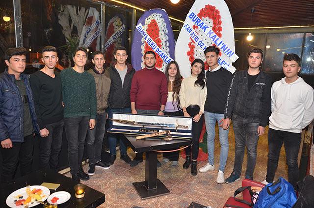 More&More Cafe, Burak Kali'nin 20'nci yaş günü kutlamasına ev sahipliği yaptı. Kali'ye doğum gününde özel hediyeler verildi.